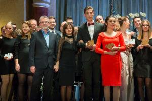 Az Operaház kreatív csapata a 2017-es Effie Awards Hungary díjátadón, az általuk nyert bronz Effie-vel